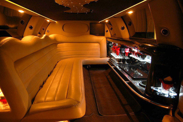 8 Person Lincoln Limo Service Atlantic City