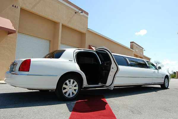 8 Person Lincoln Stretch Limo Atlantic City